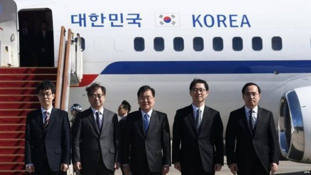Chung Eui-yong (centre) and Suh Hoon (second left) are among the delegates going to North Korea