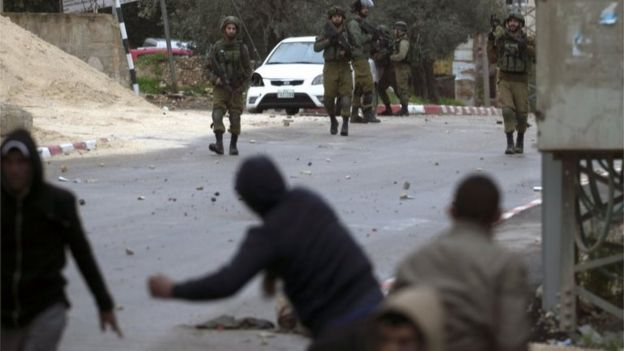 Palestinians clash with Israeli soldiers in Jenin, West Bank (18/01/18)