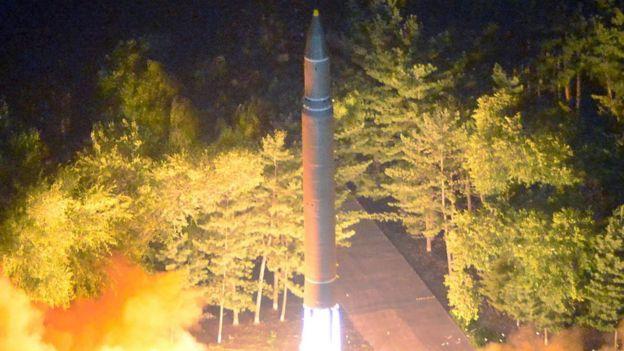Kuzey Kore tarafından yayımlanan son füze denemesi fotoğrafı