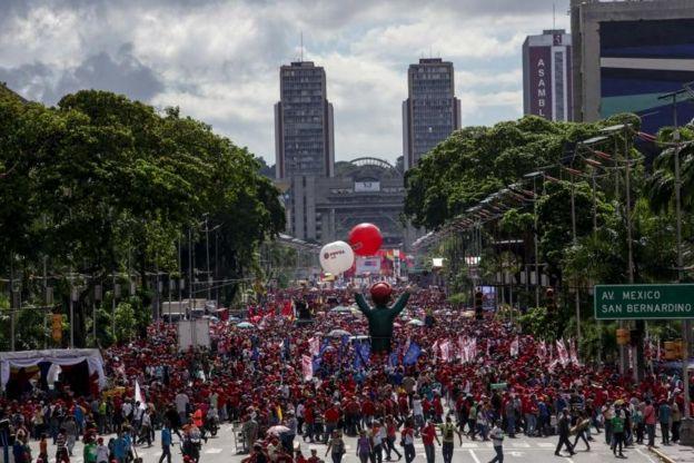 Manifestación a favor del gobierno en Venezuela.