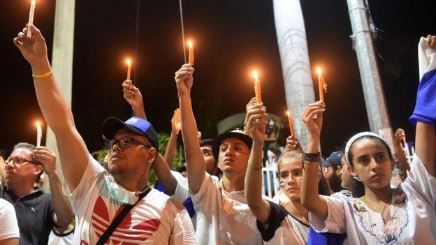 Estudiantes nicaragüenses protestando.
