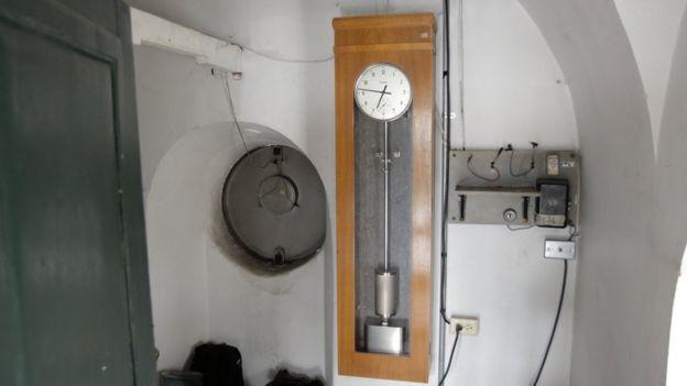 Reloj en el observatorio.
