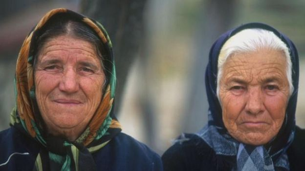 Two Romanian women