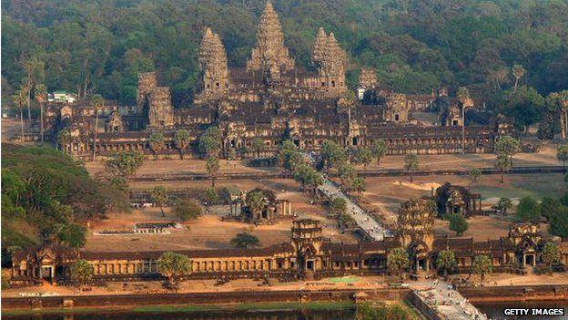 Đền Angkor thu hút nhiều triệu lượt du khách hàng năm