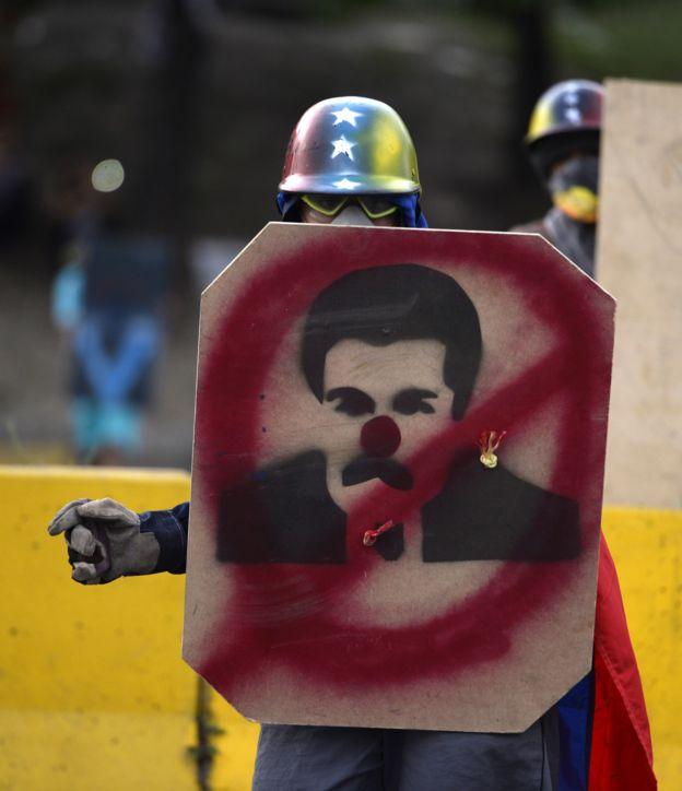 Manifestante contrario a Maduro.