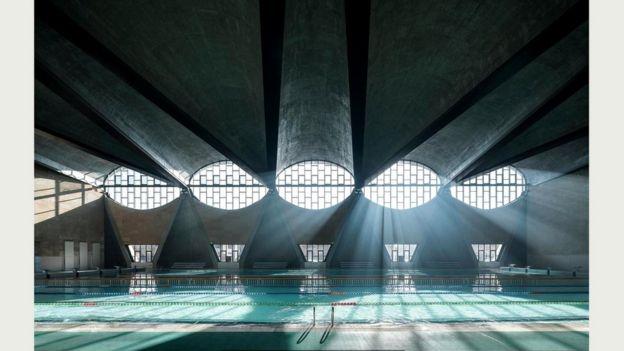 Спортивный зал с бассейном, принадлежащий университету в городе Тяньцзинь