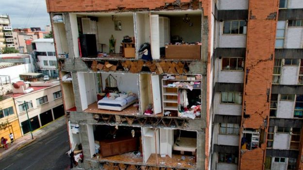 Edificio destruido por el terremoto en México.