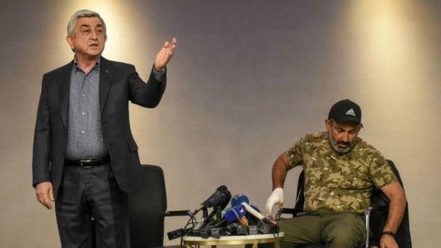 Sarkisyan, Paşinyan'ı 'şantaj yapmakla' suçadı.