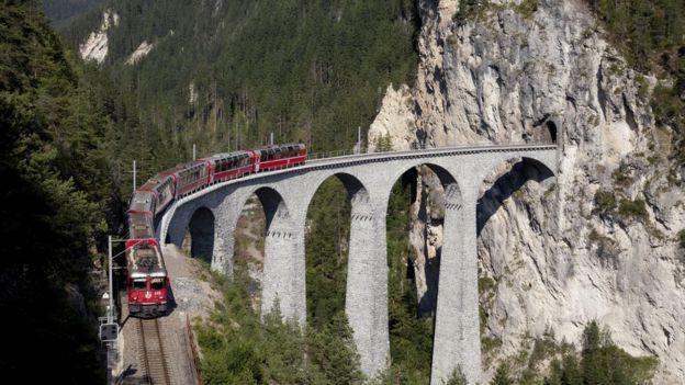Xe lửa và taxi của Thụy Sỹ hoạt động đạt hiệu quả rất cao