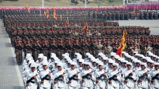 4月15日在平壤舉行的大規模閲兵儀式。