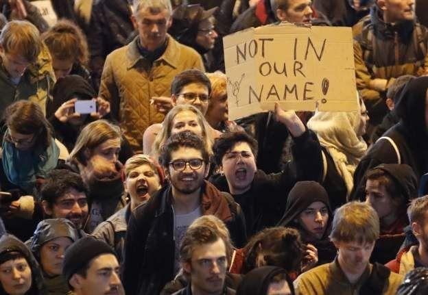 AfD karşıtı göstericiler