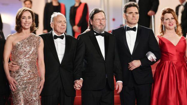Lars von Trier y parte del elenco de su última película en Cannes