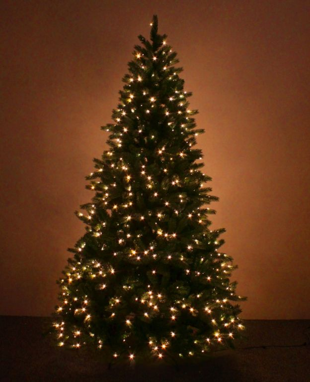 a pre lit artificial christmas tree - Large Artificial Christmas Trees