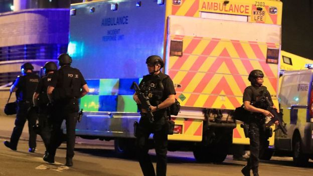 پلیس از خنثی کردن یک وسیله انفجاری دیگر در نزدیکی سالن خبر داده است