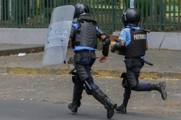 Nicaragua: sandinismo capitalista. - Página 2 _100992473_gettyimages-949150162
