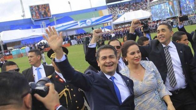 Juan Orlando Hernández y su mujer Ana García.
