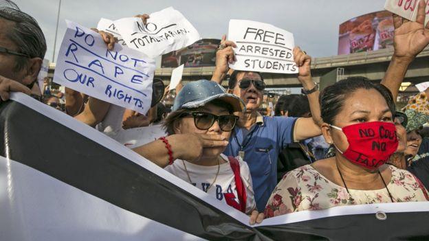 ประชาชนบางส่วนออกมาชุมนุมในวันที่ 6 หลังรัฐประหารปี 2557