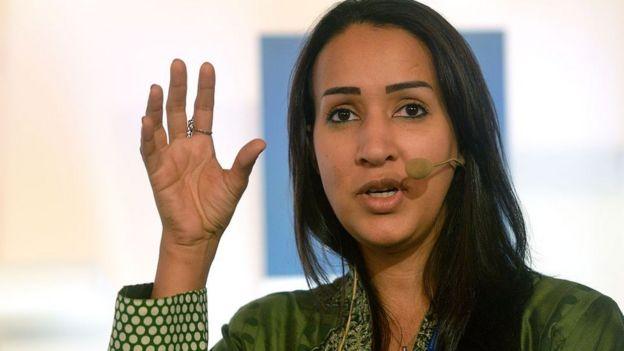 Manal al-Sharif başı açık fotoğrafı