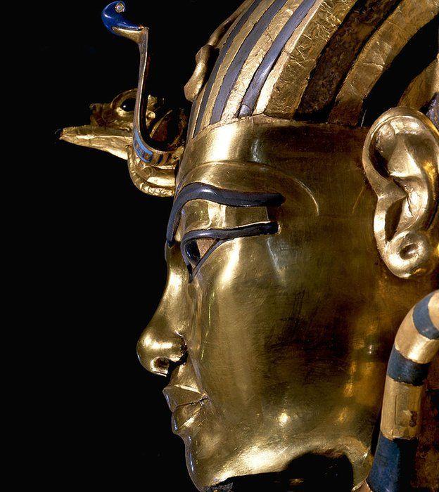 Máscara mortuária de Tutankamón