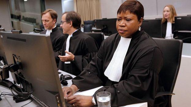 La fiscal de la Corte Penal Internacional (CPI), Fatou Bensouda, en La Haya en 2016 durante una sentencia por la destrucción de templos sagrados en Timbuctú, Mali.