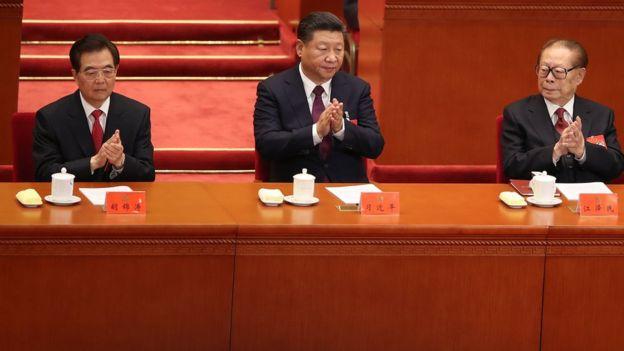 胡錦濤、習近平和江澤民(從左至右)