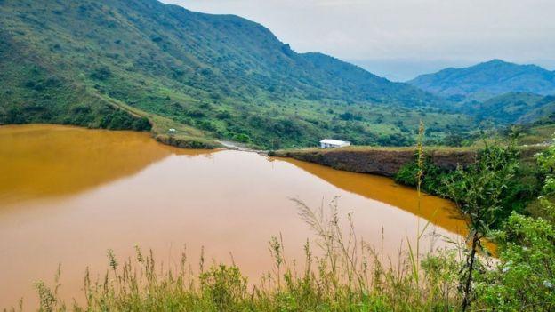 Hồ Nyos ở Cameroon