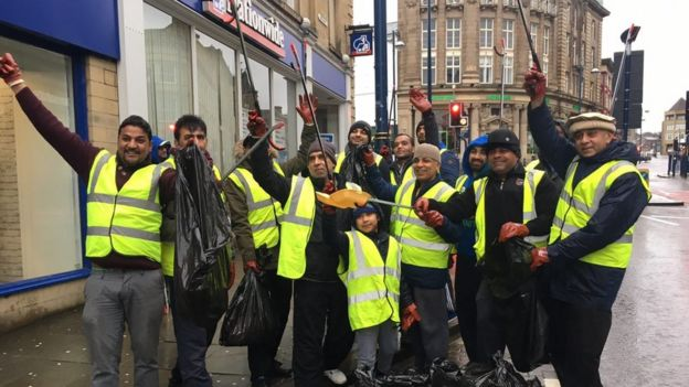 Members on a clean-up in Kingston
