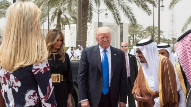 From left to right: Ivanka Trump, Melania Trump, Donald Trump and King Salman bin Abdulaziz Al Saud