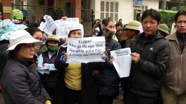 Đã xảy ra nhiều cuộc biểu tình phản đối của người dân quanh vấn đề đất đai