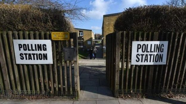 İngiltere'de bir oy merkezi
