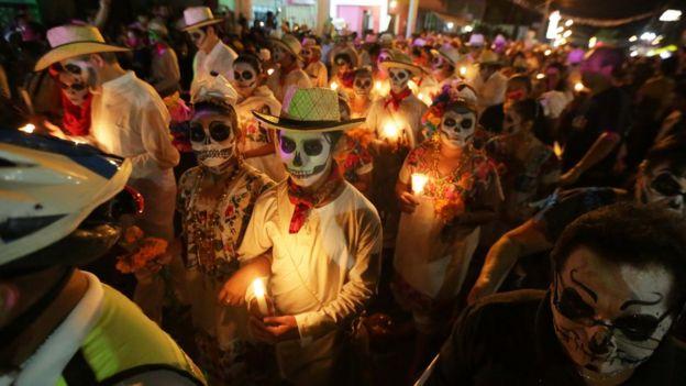 Resultado de imagen para dia de muertos en mexico