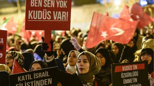 Manifestación contra Israel y Estados Unidos en Turquía.