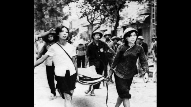 Con số tử vong được tướng Phillip B Davidson viết trong cuốn The History 1946-75 Vietnam At War trích dẫn chính phủ Việt Nam công bố 1318 người chết và 1261 người bị thương trong đợt không tập kéo dài 12 ngày đêm