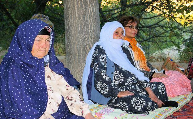 سیما بینا برای جمعآوری لالاییها ایرانی با مادران زیادی دیدار کرده