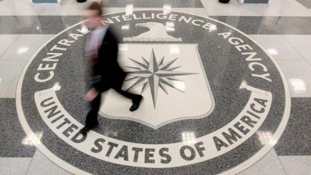 弗吉尼亚州兰利镇美国中央情报局(CIA)总部大楼大堂之CIA标志(资料图片)