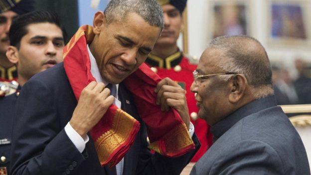 Barack Obama oo guddoomaya haddiyad go' shaal ah