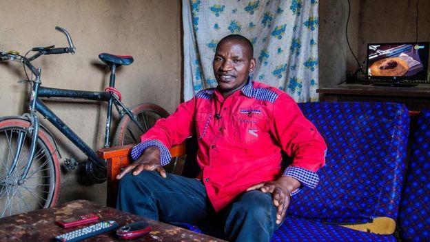 احتضنت رواندا مشروعا رائدا للطاقة _98405544_bdd95ad9-8f0b-4266-8cc3-abf26ce6a3f9.jpg