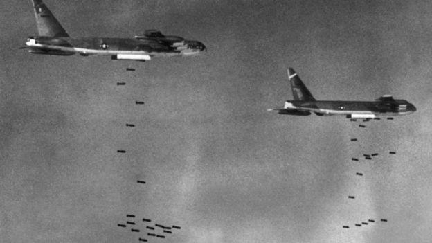 Pháo đài bay B-52 ném bom Việt Nam