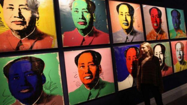Andy Warhol (1928-1987) đã vẽ Mao bằng nhiều màu sắc khác nhau