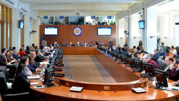 La sesión extraordinaria de la OEA.