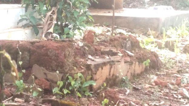Les ossements humains, issus de ces tombes profanées, sont vendus à travers le Cameroun par des trafiquants.