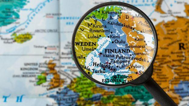 Lupa direcionada para a Finlândia em Mapa