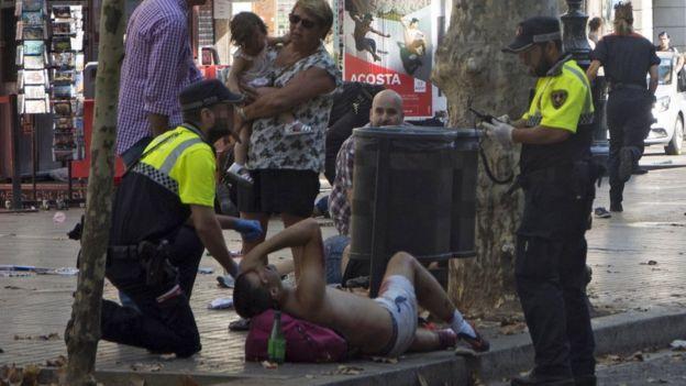 Polícia acode ferido em Barcelona