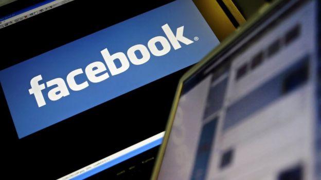 Computadoras con Facebook abierto