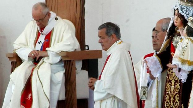 Juan Barros y el papa Francisco en Chile