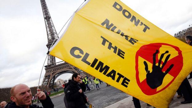 Activista ambiental en París.