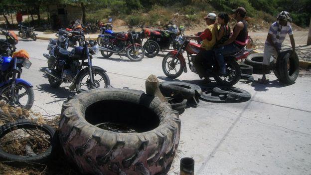 Motos en la Isla de Toas