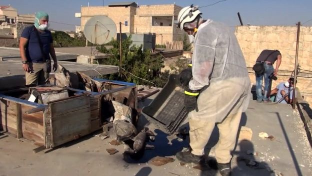 Syria civilians still under chemical attack - BBC News