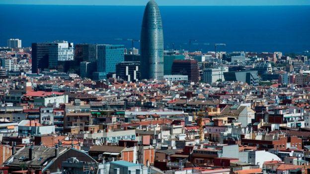 Vista de la Torre Agbar de Barcelona.