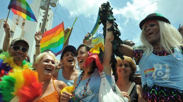 Mariela Castro en una reunión de la comunidad LGBT.